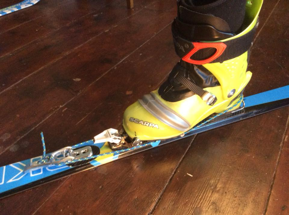 TeleMo SkiMo Dynema cord with F1 cuff buckle as cable throw in front.jpg